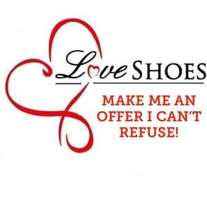 Shoes - ♥️♥️MAKE ME AN OFFER♥️♥️